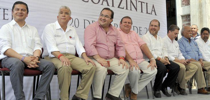 El Gobernador de Veracruz, Javier Duarte de Ochoa, inauguró la Planta Potabilizadora de Agua en el municipio de Coatzintla, la cual traerá mayor progreso, estabilidad y prosperidad social a los veracruzanos.