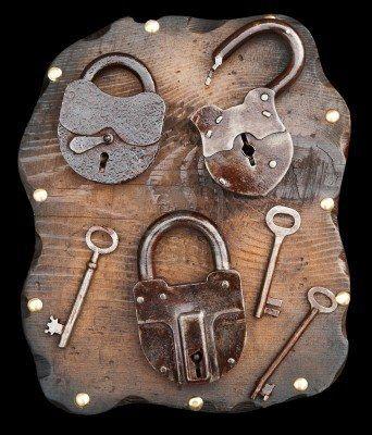 Cerraduras y llaves antiguas