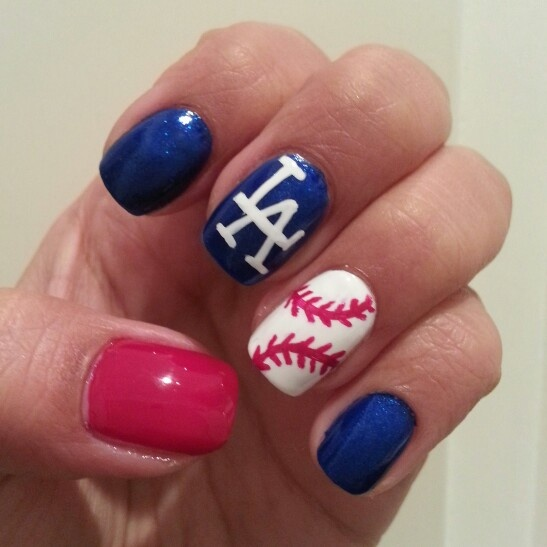 I love my dodgers! Gotta rep :)