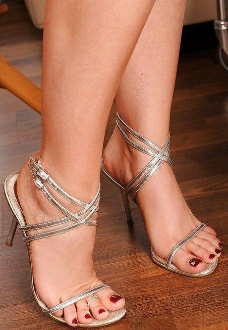 Pin di Pinco Pallino su Scarpe da donna  6eb0642ff73