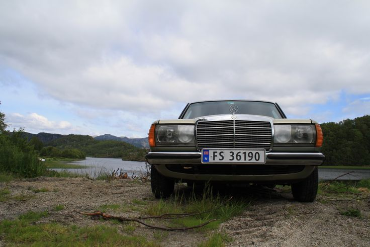 My mighty 1977 w123 Meredes-Benz