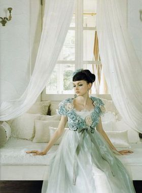 気に入ったウェディングドレスのままお色直しなしで過ごしたい!イメージチェンジ・アレンジの実例 - NAVER まとめ