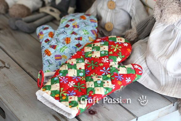 Double 9 patch quilted oven mitt tutorial...another quilting challenge for me....I can ALWAYS use a nice thick oven mitt.