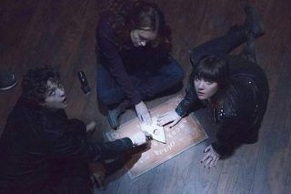 People Reveal Their Most F*cked Up Ouija Board Experiences - http://viralfeels.com/people-reveal-their-most-fcked-up-ouija-board-experiences/