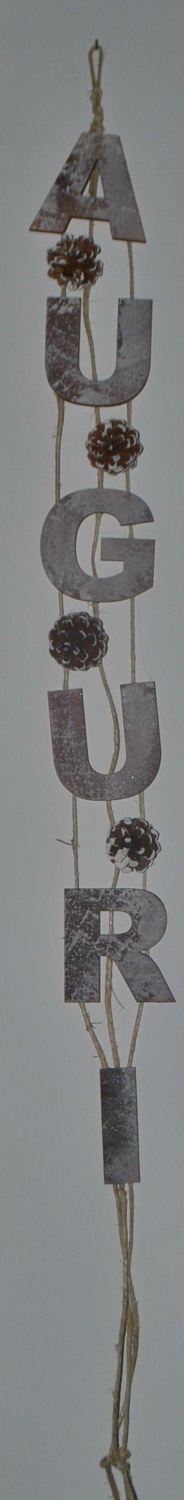 Addobbi natalizi - pendente verticale 'auguri' creato con lettere in legno dipinte - https://frizzantina.wordpress.com/2016/12/12/il-mio-natale-fatto-a-mano-2016-my-handmade-christmas-2016/