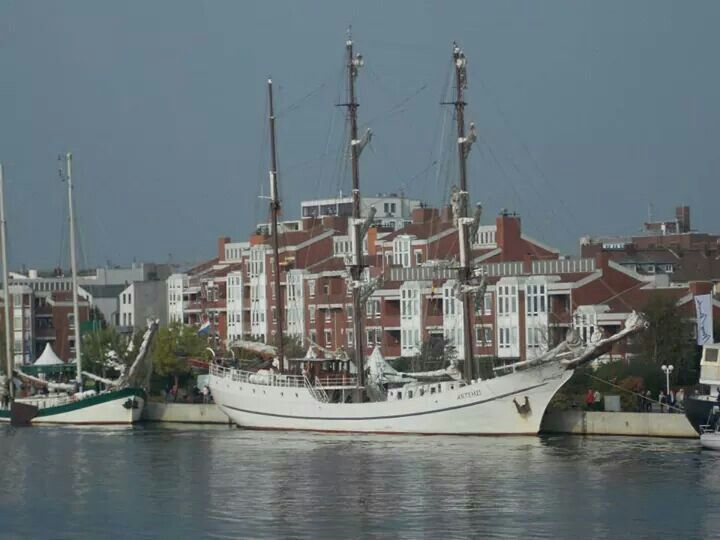 117 best images about ostfriesland on pinterest flu fishing boats and lower saxony. Black Bedroom Furniture Sets. Home Design Ideas