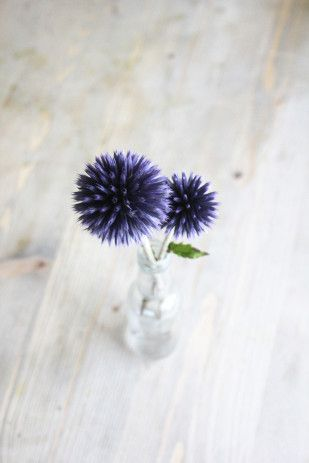Flowers / Inspirations / Fleurs /  Boutique Romane / Bayeux / Fashion / Women /Trend / Tendance / Mode / ©La mariee aux pieds nus - Boule azuree