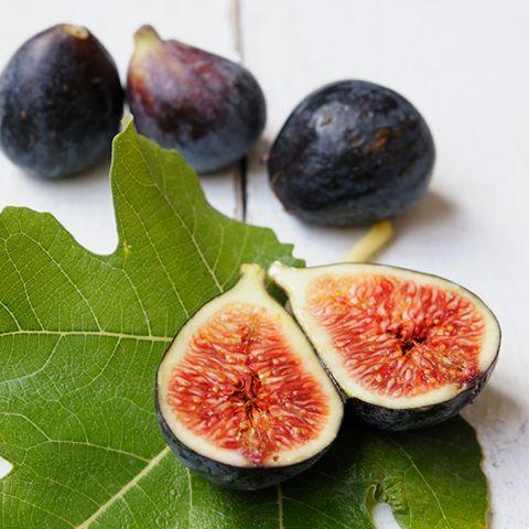 En otoño llegan los #higos, que son una fruta exquisita y que destaca por su increíble riqueza nutricional y por su elevado contenido en vitaminas y minerales. ¿Los utilizáis en alguna receta?