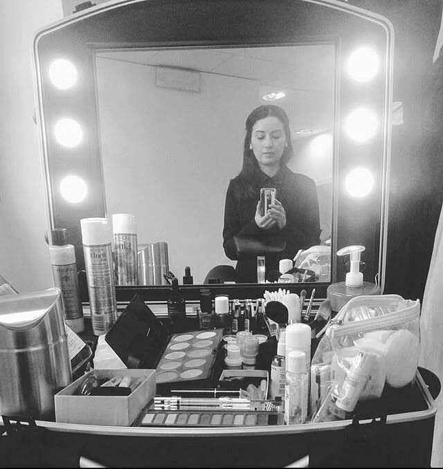 Alessandra Iotti Make-up Artist with Cantoni's Voyager Makeup case. Friday from Accademia Carla Gozzi, Reggio Emilia. #alessandraiotti #cantonimua #makeupcase