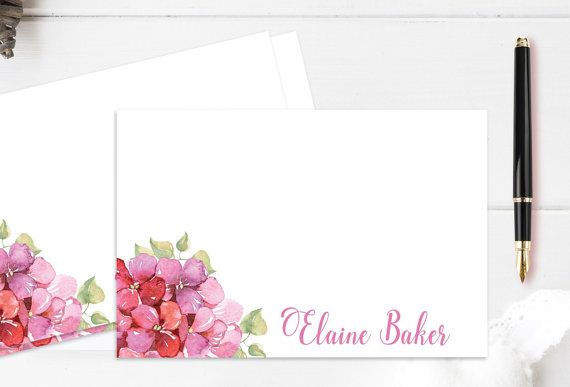 I looove these printable floral note cards! The flower design is delicate and beautiful! Standard postcard size and easily printed. #ad #printable #postcard #floralnotecards #floralpostcards #notecards #printablenotecards