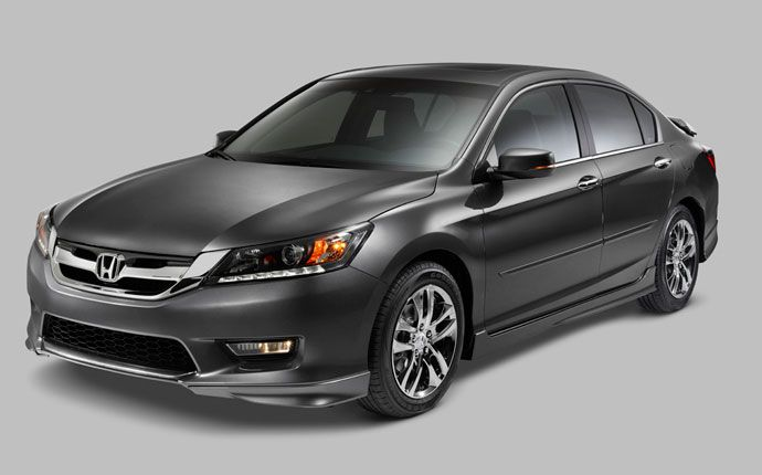 The X package features the Aero Kit, custom grille and a wing spoiler or decklid spoiler. (EX-L V-6 model shown)