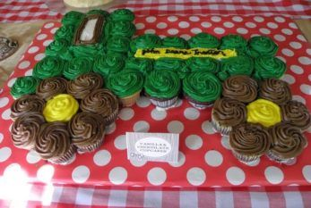 John Deere Tractor Cupcake Cake