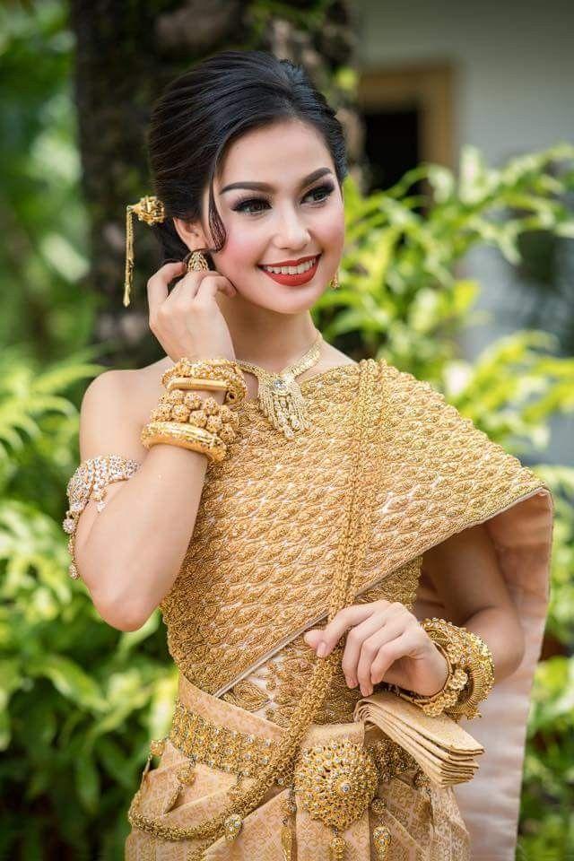 Khmer wedding costume | Phụ nữ, Thái lan, Dép