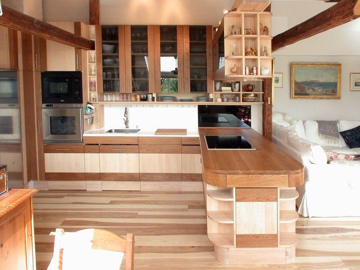 Design og produksjon av heltre kjøkken, bad og møbler fra snekkerverksted i Oslo