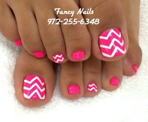 Chevron Nails - Toes nail art Discover and share your nail design ideas on www.popmiss.com/...