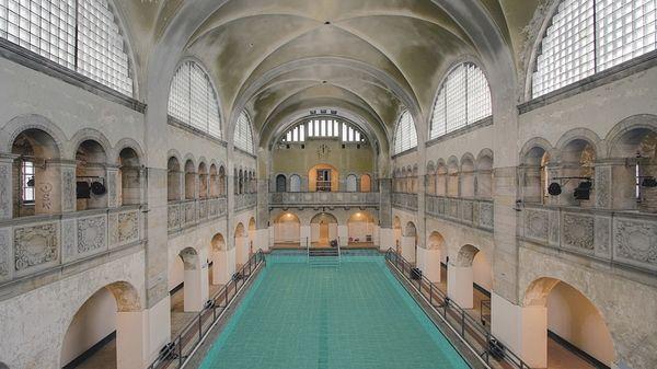 Frisch saniert: Das historische Stadtbad in der Oderberger Straße. Foto: promo