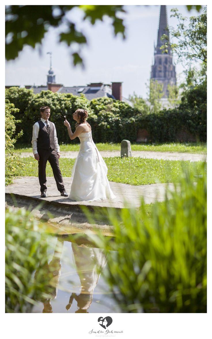 #outdoor #outdoorlocation #location #wels #linz #steyr #photography #green #lake #reflection #curch #austria #upperaustria #groom #bride #braut #braeutigam #dandelion #loewenzahn