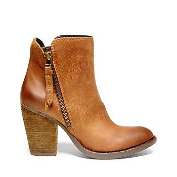 RYATT- I'm in love! These would be great with jeans and a chunky sweater.  Perfect brown ankle booties for Fall!