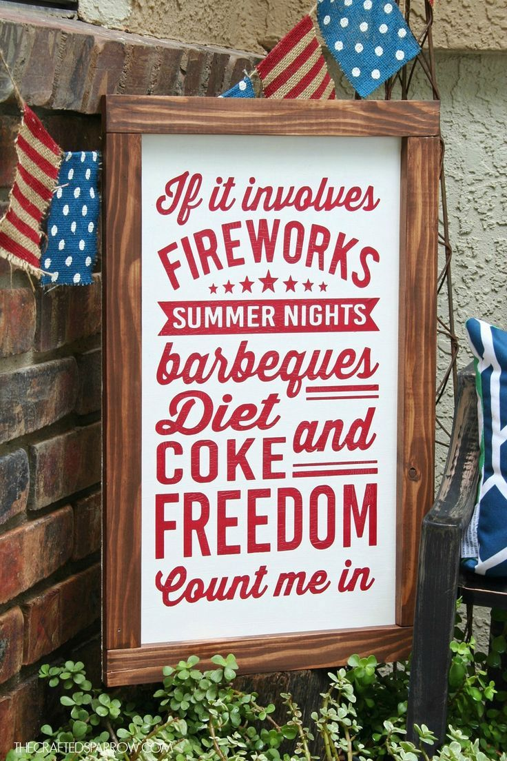 4th of July Sign - thecraftedsparrow.com