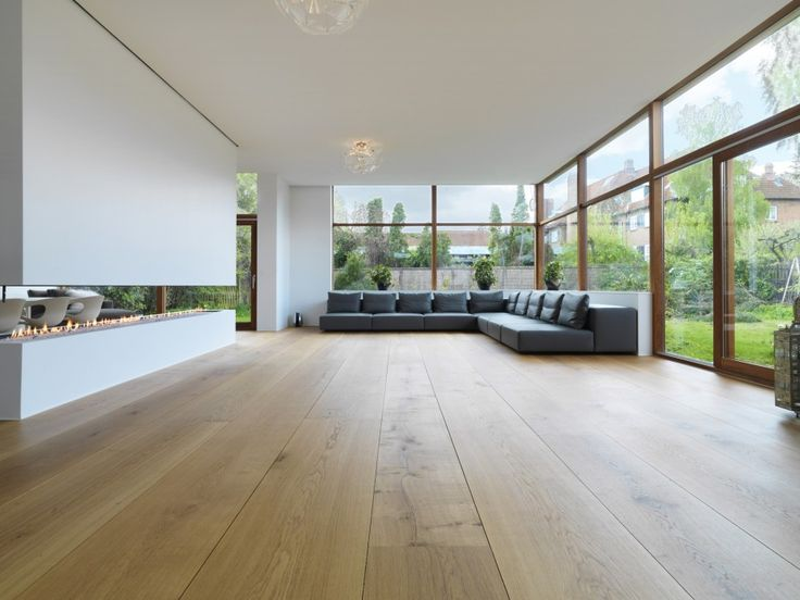 A very simple design creates a setting allowing the distinctive HeartOak floor planks in this house, designed by the Danish architect Svenn Eske Kristensen. He was a prolific architect who designed many award-winning homes in Denmark from the 1930s until the early 1970s. Many of these are today listed buildings. Lars Gitz Architects have carried out a careful …