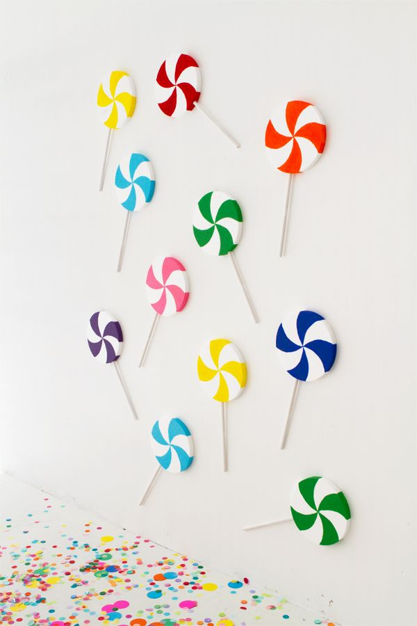 DIY Giant Lollipop Backdrop | Oh Happy Day!