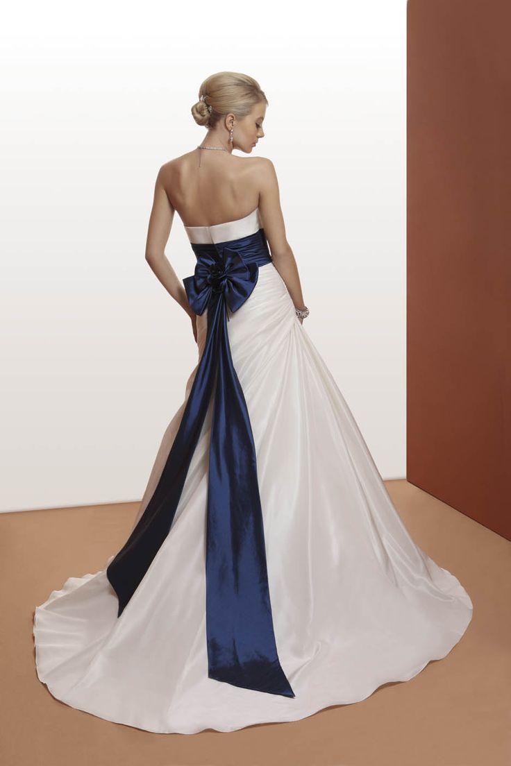 abito da sposa con cntura colorata  www.protagonisti.it