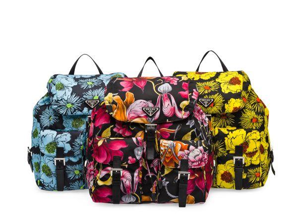 プラダ(PRADA)から鮮やかなフローラルプリントのナイロンバッグが発売!