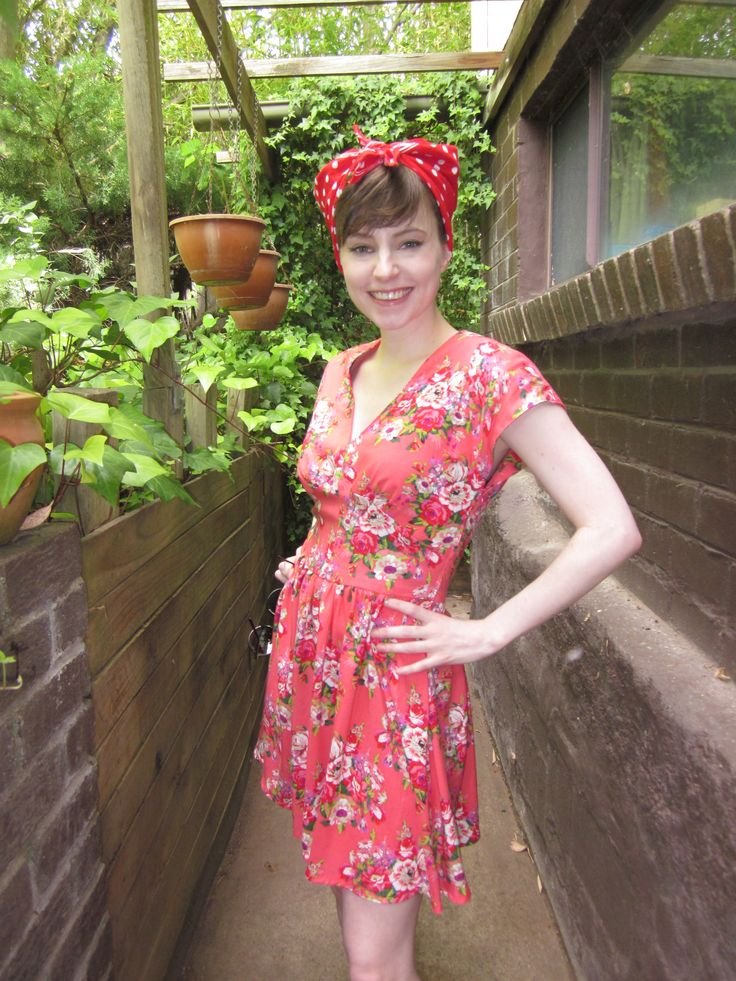 B5209 Butterick. Made in pink floral rayon/viscose. Lined bodice. A little tricky and fiddly to construct but overall a really nice well designed pattern that doesn't look at all dated.