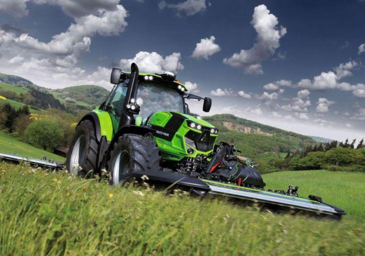 Deutz-Fahr hat in Dresden die nächste Generation von Traktoren der Serie 6 und 7 vorgestellt. 19 Traktoren der neuen Serie 6 und 7, fünf aus der Serie 9 und der neue Mähdrescher C9206 TSB standen für Live-Tests zur Verfügung.