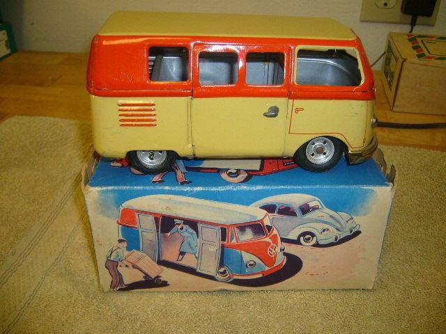 goso tin volkswagen barndoor wind up toy in the original. Black Bedroom Furniture Sets. Home Design Ideas