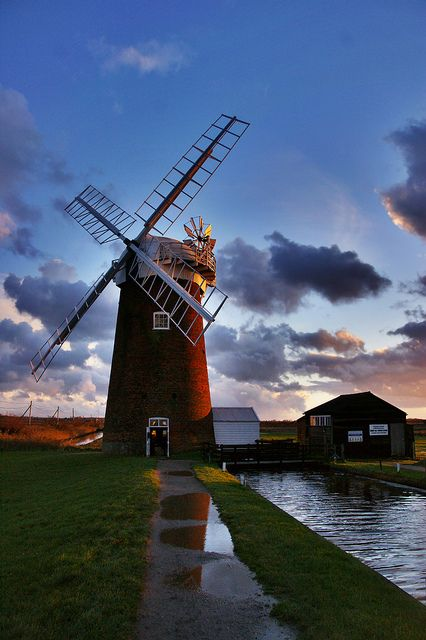Wind Pump - Horsey, England http://www.flickr.com/photos/georgesayer/5533983565/
