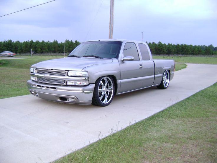 2002 chevy silverado stepside on 22s
