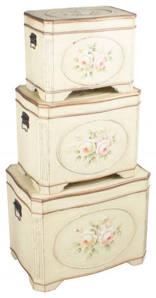 """Set de trei cufere """"Shabby Roses"""" - cadou decorativ, element în amenajarea interioarelor vintage sau soluţie pentru depozitare - acest set de cufere poate fi oricare dintre acestea. http://www.retroboutique.ro/mobila/cufere/set-de-trei-cufere-shabby-roses-1022"""