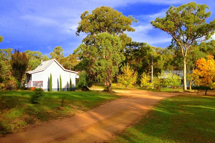 Stanthorpe Accommodation. Peaceful, private cottages in a picturesque setting. Find us at www.diamondvalecottages.com.au #travel #Queensland #Stanthorpe