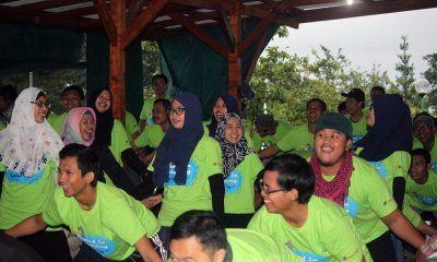 Gathering perusahaan di  camping ground memberikan sensasi berbeda, Uyee…!
