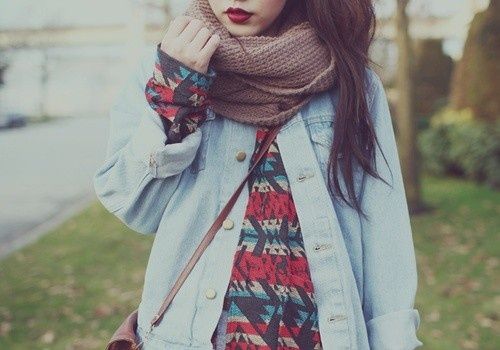 The awesome printed long sleeved shirt under a pale blue button up and a chunky scarf! Also love the dark red lips!