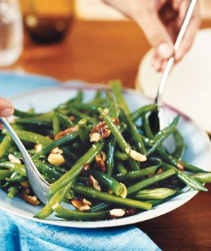 Green Beans With Roasted Nuts and Cranberries