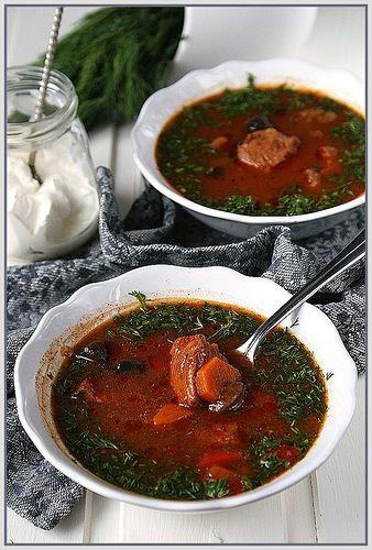 Пока несла тарелку к столу, заляпала края :) Но суп такой вкусный, что невозможно не поделиться... По мотивам этого рецепта разбойничий суп напишу сразу, как делала…