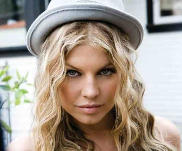 H Fergie των Black Eyed Peas αλλάζει όνομα και επίθετο!