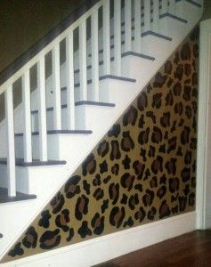 Cheetah print wall. LOOOVEE. Soo want to do this when I get my own place ;)