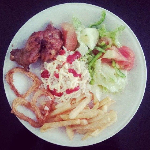 Espetacular prato feito pela Branca. Uma delícia. Made in #Angola