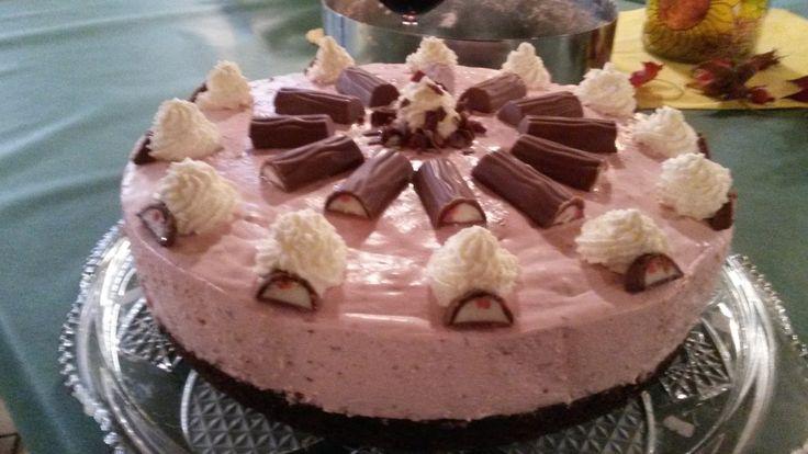 Das gute Gluten: Erdbeer-Yogurette-Torte mit Nussboden gluten free