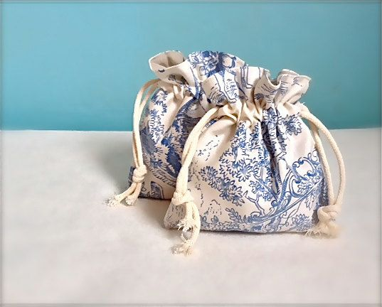 Drawstring bags set of two gift bag favour bag toile by Kirstyflo, €27.00