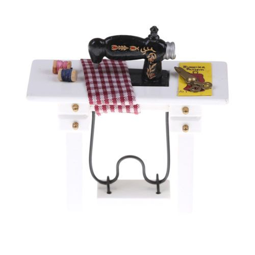 1-12-Scale-Treadle-Sewing-Machine-Dolls-House-Miniature-Decoration