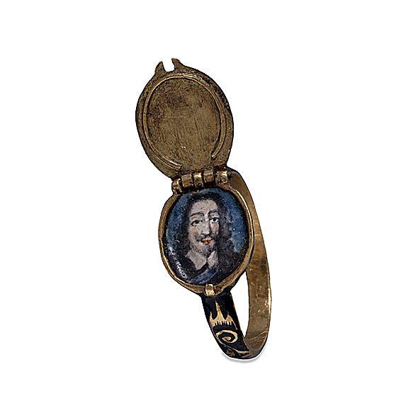 Anello con miniatura dipinta a mano conservato al British Museum