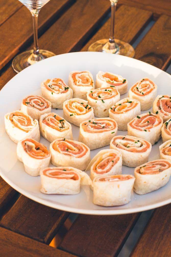 Verdens bedste og mest populære forret: lakseroulade med cream cheese og purløg!