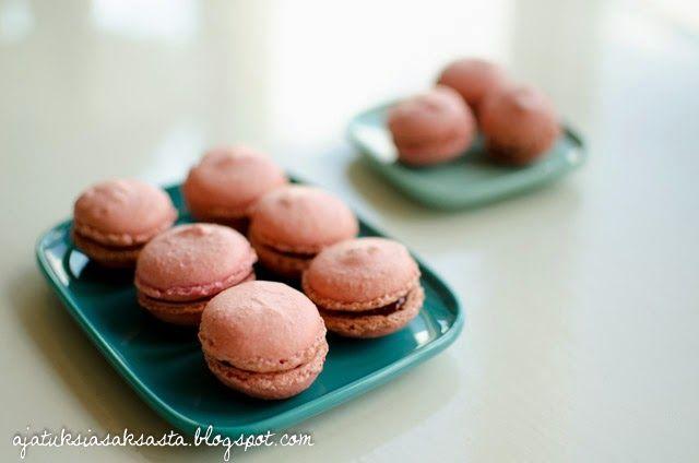 Macarons // ajatuksiasaksasta.blogspot.com