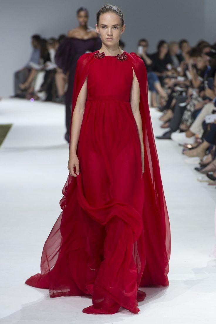 Giambattista Valli Fall 2016 Couture Fashion Show