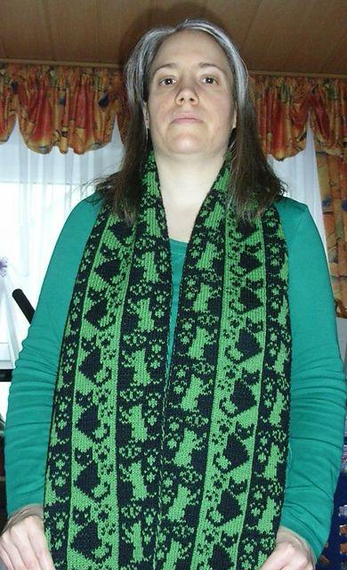 Ravelry: Double knitting Cats scarf pattern by Sandra Jäger