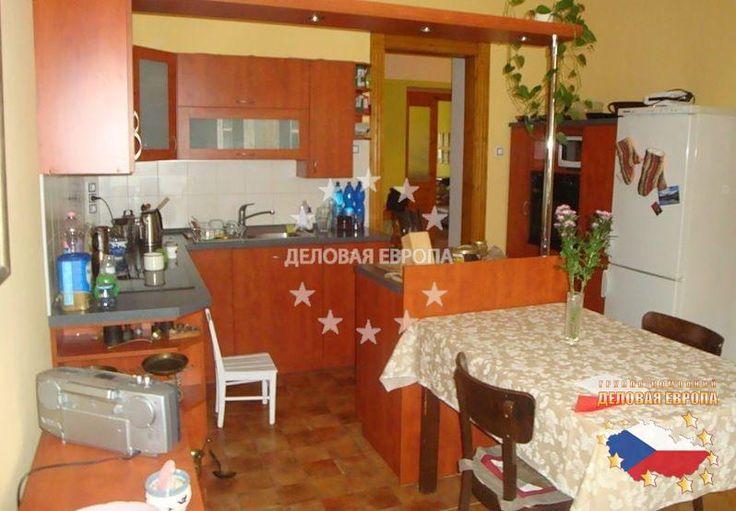 НЕДВИЖИМОСТЬ В ЧЕХИИ: продажа квартиры 3+1, Прага 7, цена 395 000 € http://portal-eu.ru/kvartiry/3-komn/3+1/realty429/  Предлагается на продажу квартира 3+1 площадью 110 кв.м в районе Прага 7 – Бубенеч стоимостью 395 000 евро. Квартира расположена на четвертом этаже шестиэтажного дома с лифтом и состоит из двух ванных комнат, двух отдельных санузлов, гостиной, кухни, просторной прихожей, двух спальных комнат и гардеробной. Кухня оснащена новой бытовой техникой – электроплита, духовка и…